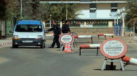 عناصر من الشرطة الجزائرية - أرشيف -