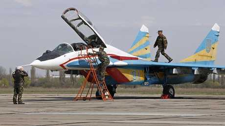 طائرة مقاتلة من طراز ميغ -29 في قاعدة فاسيلكيف بالقرب من العاصمة الأوكرانية كييف  أبريل 2012