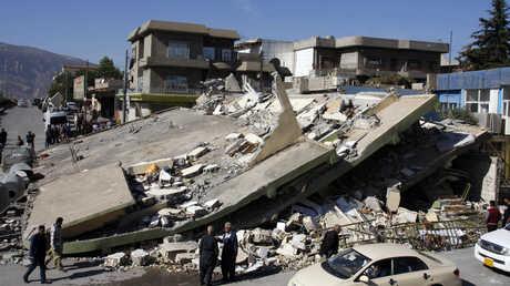 أنقاض مبان مدمرة جراء زلزال ضرب الحدود العراقية الغيرانية (دربندخان، كردستان العراق، 13 نوفمبر/تشرين الثاني)