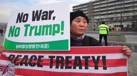 """تظاهرات ضد ترامب فى كوريا الجنوبية تحت عنوان"""" لا للحرب"""""""