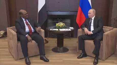 بوتين يستقبل البشير في سوتشي