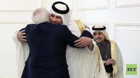 وزير الخارجية الإيراني محمد جواد ظريف ووزير الاقتصاد والتجارة القطري الشيخ أحمد بن جاسم آل ثاني