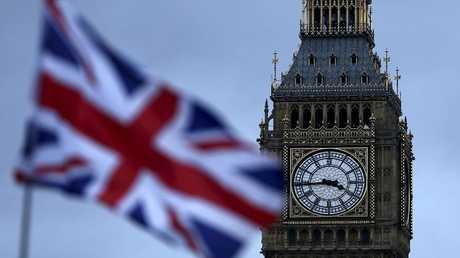 ساعة بيغ بين وسط لندن - أرشيف