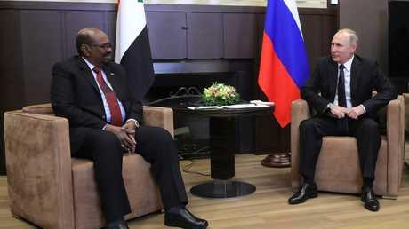 لقاء بين الرئيسين الروسي فلاديمير بوتين والسوداني عمر البشير