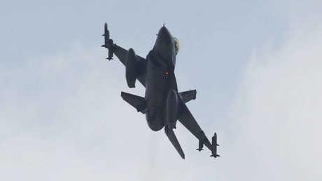 """مقاتلة """"إف-16"""" تركية"""