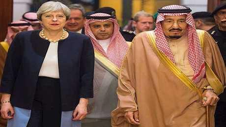 الملك السعودي سلمان بن عبد العزيز ورئيسة وزراء بريطانيا تيريزا ماي
