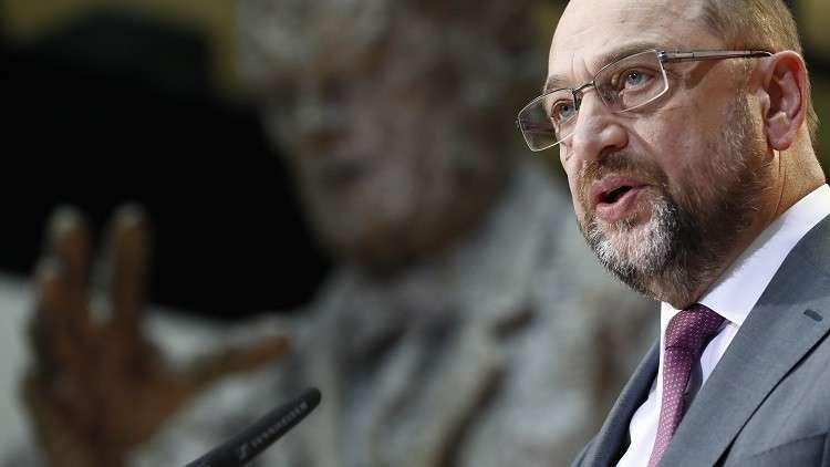 زعيم الديمقراطيين الاشتراكيين في ألمانيا ينفي الدخول في محادثات مع ميركل