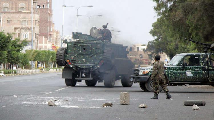 تواصل الاشتباكات في صنعاء.. قوات صالح تسيطر على مرافق حيوية بمساندة القبائل