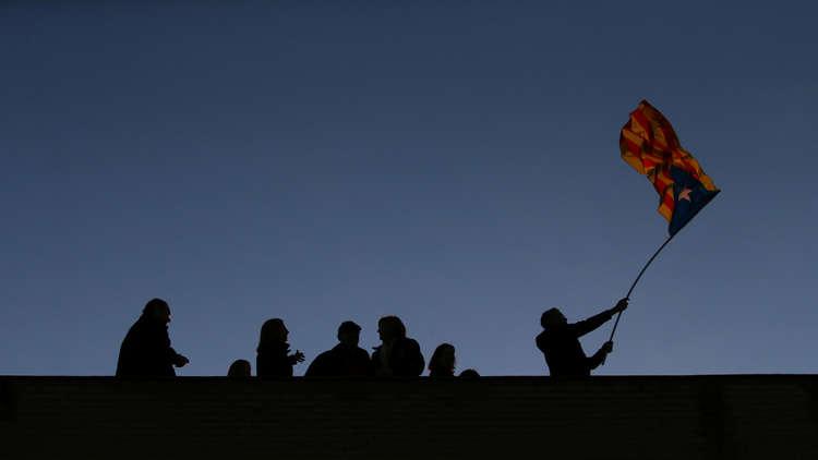 راخوي يعلن انتهاء الانفصال في كتالونيا... وبوتشديمون يدعو أنصاره لجولة ثانية