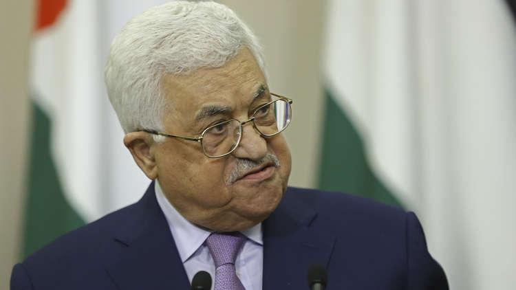 عباس يجري اتصالات مع أمير قطر والرئيس المصري