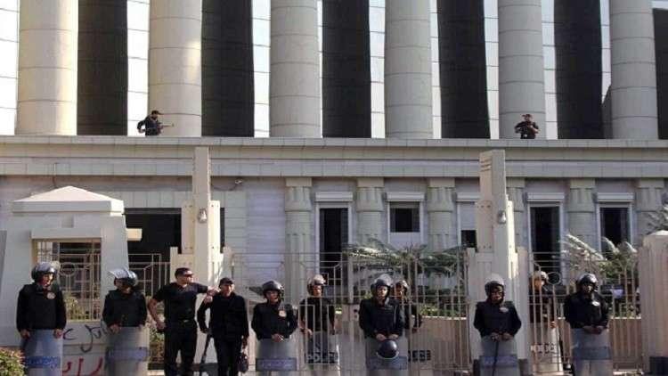 """طالبان مصريان يخفيان جثة والدتهما في """"الدولاب"""" لـ3 سنوات 5a23095695a5977d0e8b"""