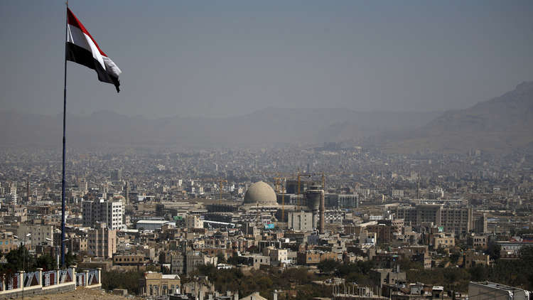 شاهد كيف أصبح القصر الجمهوري في صنعاء بعد غارات التحالف