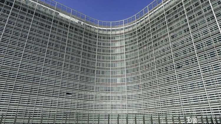 روسيا بانتظار أن تتخلص أوروبا من أغلالها