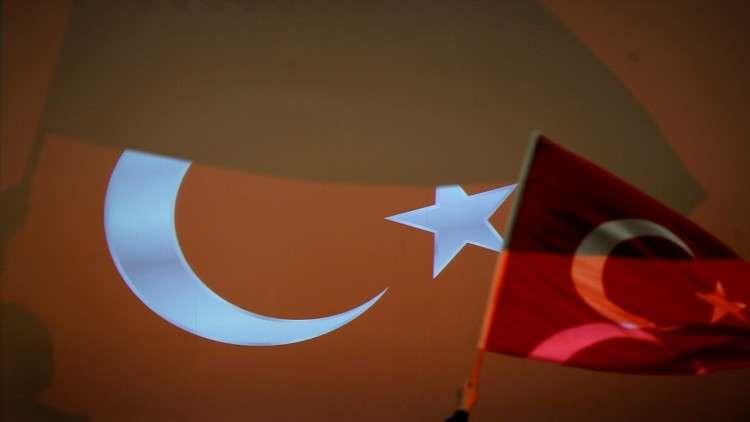 أنقرة تحقق في تقارير بشأن طلب راقصين أتراك اللجوء