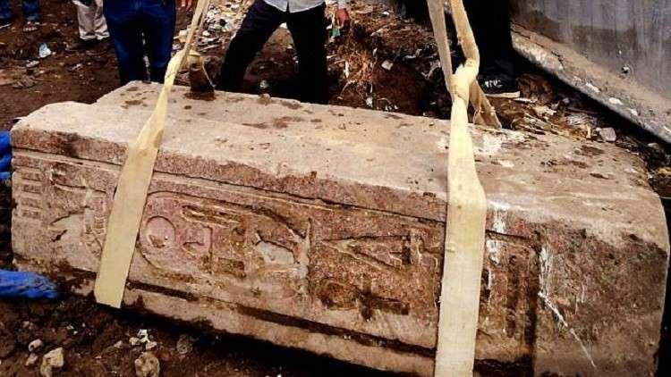 نقل بوابة مصرية قديمة من القاهرة إلى الجيزة!
