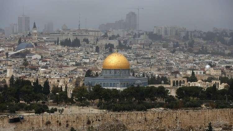 وزير إسرائيلي يكشف عن دولتين قد تنقلان سفارتيهما إلى القدس