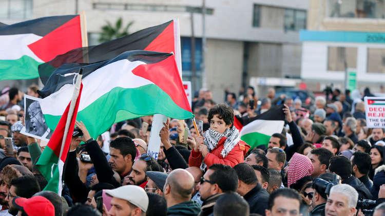 البحرين تحذر رعاياها في الأردن