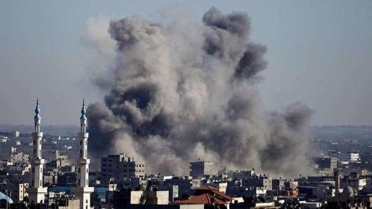 الجيش الإسرائيلي يقصف قطاع غزة برا وجوا