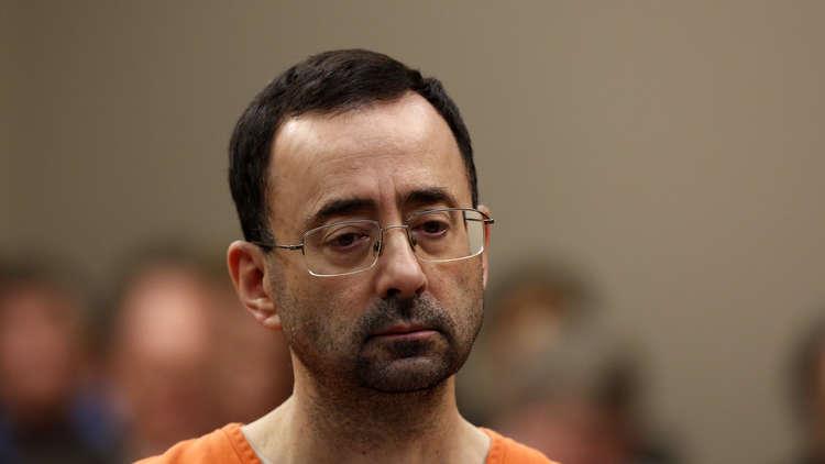 الحكم على الطبيب السابق للمنتخب الأمريكي للجمباز بالسجن 60 عاما
