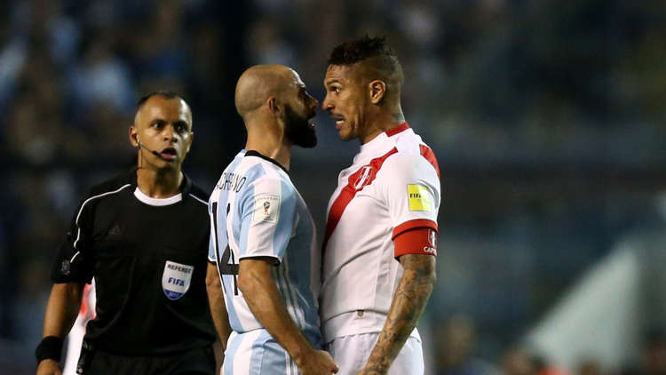 الفيفا يحرم نجم بيرو من المشاركة في مونديال 2018