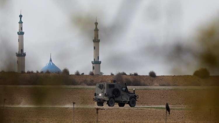 إسرائيل تدمر نفقا على الحدود مع قطاع غزة