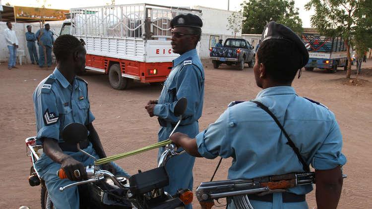 تبرئة 24 فتاة اتهمن بارتداء تنانير قصيرة وسراويل ضيقة في السودان!