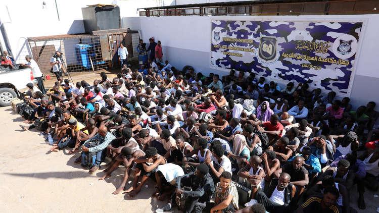 نيجيريا: 5000 من رعايانا محاصرون في معسكرات اعتقال بغرب ليبيا!