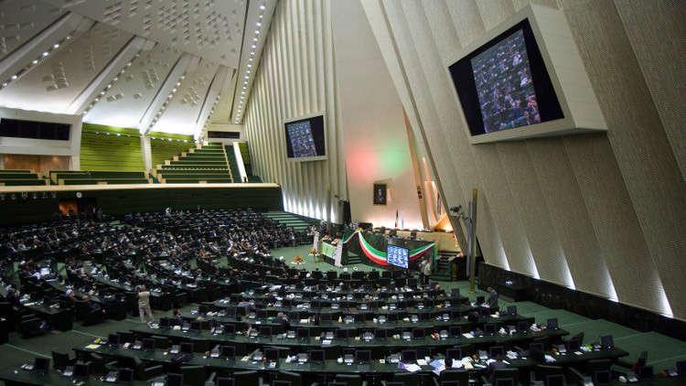 إيران تسمح للأقليات الدينية بالترشح للانتخابات البلدية