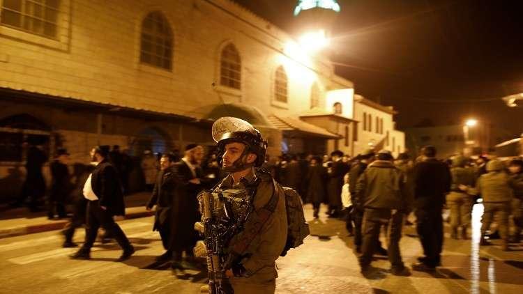 إسرائيل تعتقل العشرات من كوادر حماس