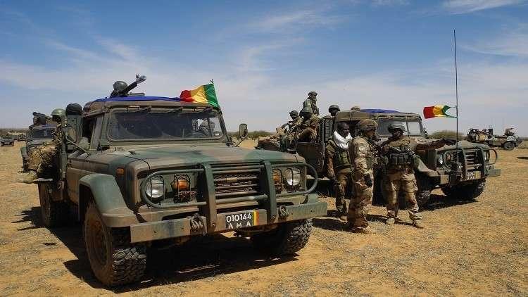 مالي.. مقتل مسلح وإصابة جنديين بهجوم على قافلة للجيش شمال البلاد