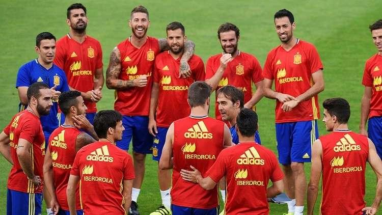 """الاتحاد الإسباني يرد على مزاعم استبعاد """"لاروخا"""" من المونديال"""