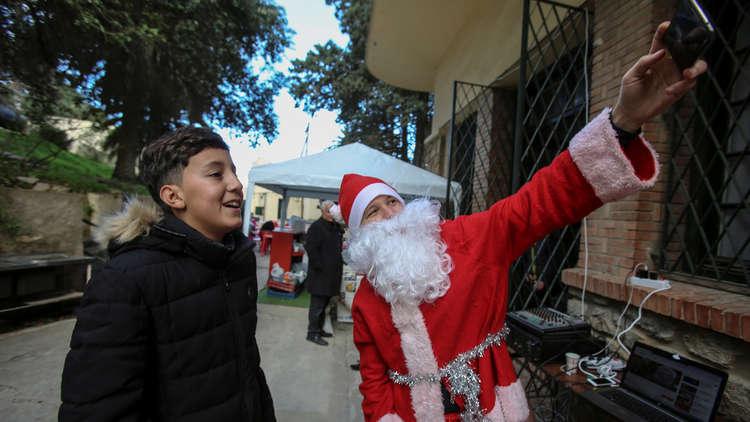 في سابقة تاريخية.. إقامة سوق لأعياد الميلاد وسط الجزائر
