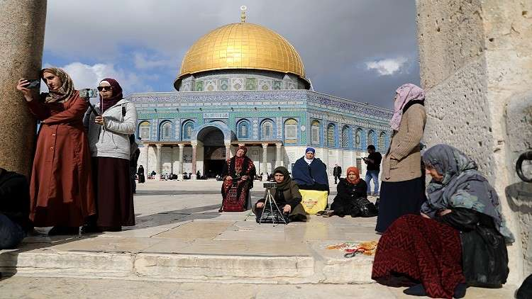 مستوطنون يقتحمون المسجد الأقصى مجددا