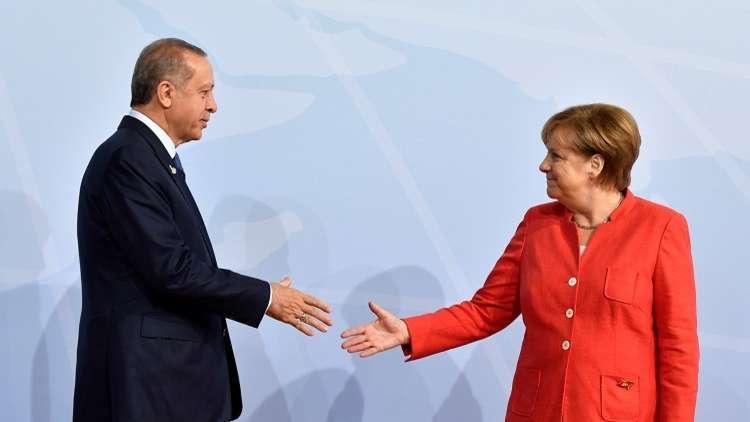 ألمانيا تبدي استعدادها لتخفيف التوتر في علاقاتها مع تركيا