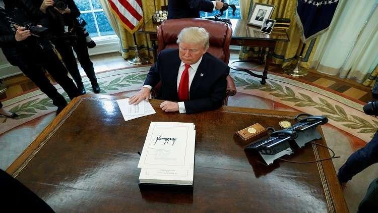 نصرة للأثرياء.. ترامب يوقع قانونا جديدا