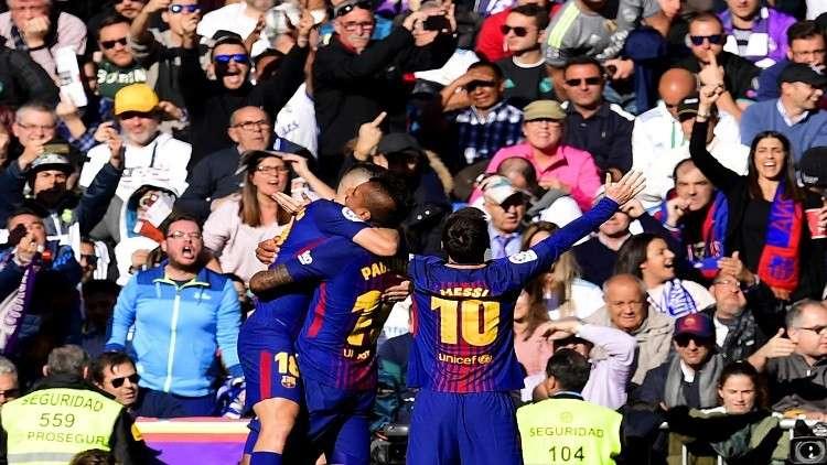 برشلونة يحلق في الصدارة بعد فوز ساحق على الريال (فيديو)