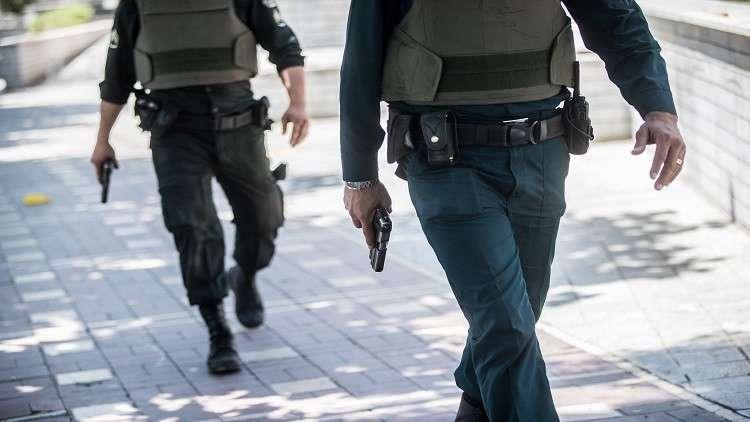 الشرطة الإيرانية تضبط طنين من المخدرات