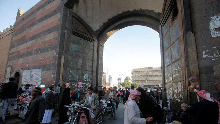 مصدر مطلع ينفي لـRT أنباء عن إطلاق الحوثيين صاروخا سقط في صنعاء