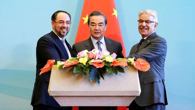 باكستان تعرض على أفغانستان خطة لتحسين العلاقات
