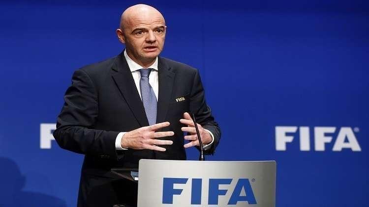 رئيس الفيفا يؤكد صعوبة رفع الحظر عن الملاعب العراقية