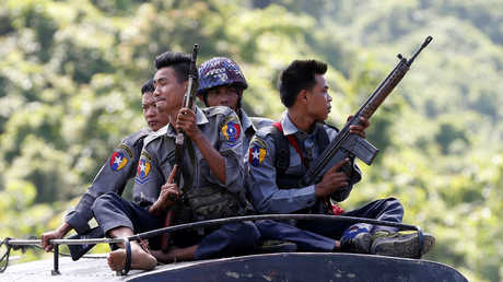 عناصر الجيش الميانماري
