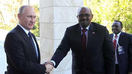 لقاء بين الرئيسين الروسي فلاديمير بوتين والسوداني عمر البشير في سوتشي