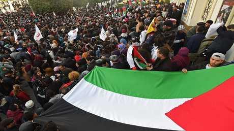 مسيرات ضخمة في تونس احتجاجا على قرار الرئيس الأمريكي بشأن القدس