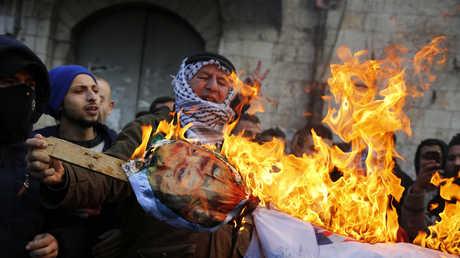 مسيرات ومواجهات في الأراضي الفلسطينية احتجاجا على قرار ترامب حول القدس