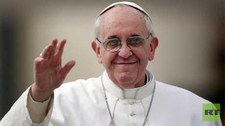 بابا الفاتيكان يدعو إلى تصحيح صلاة