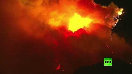حرائق جهنمية في غابات كاليفورنيا