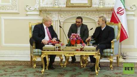 رئيس مجلس الشورى الإيراني لاريجاني يستقبل وزير خارجية بريطانيا  جونسون في طهران