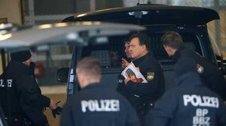 أفراد من الشرطة الألمانية في مدينة فرانكفورت