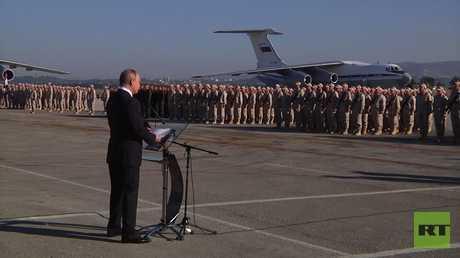 الرئيس الروسي فلاديمير بوتين في قاعدة حميميم الجوية