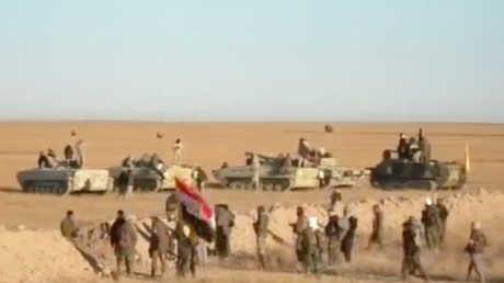 القوات العراقية قرب الحدود مع سوريا